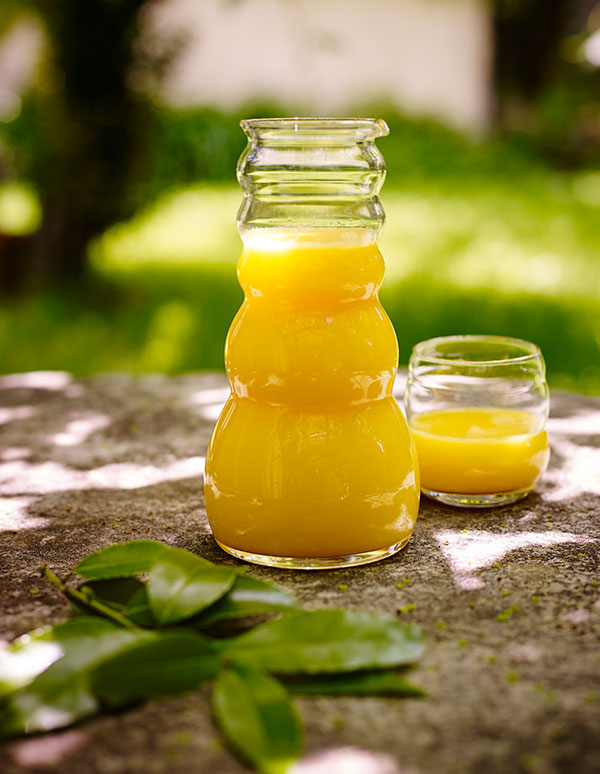 8930-6210-Cadus-White_Mythos-Orange-Juice-_LoRes.jpg